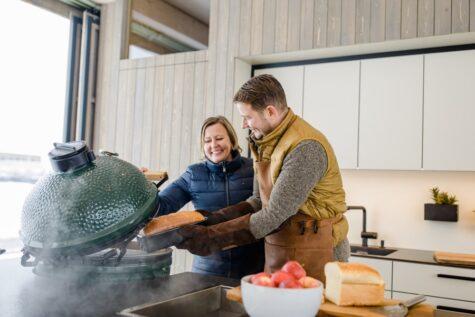 Familie bei Green Egg Griller