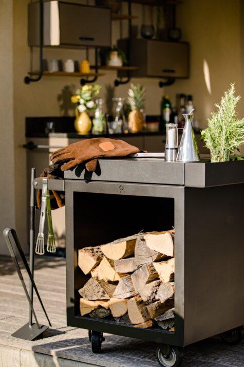 Holzaufbewahrung Ofyr mit Außenküche